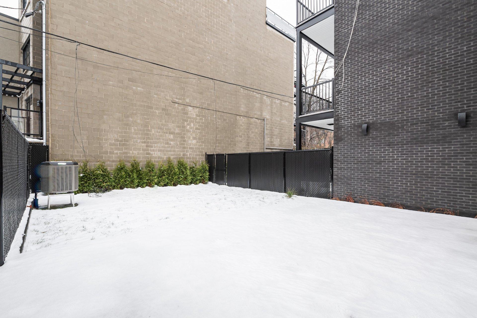 Cour Maison Montréal (Villeray/Saint-Michel/Parc-Extension)