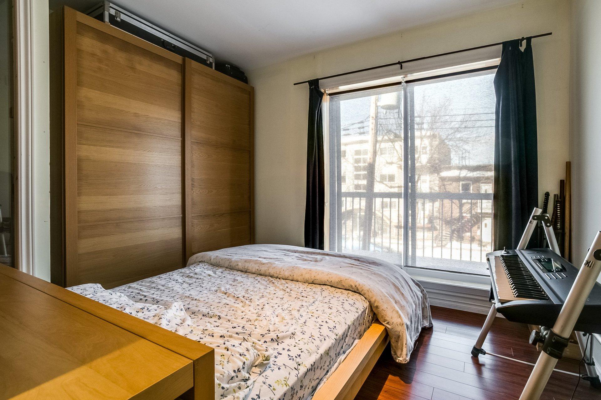 Chambre à coucher principale Duplex Montréal (Villeray/Saint-Michel/Parc-Extension)