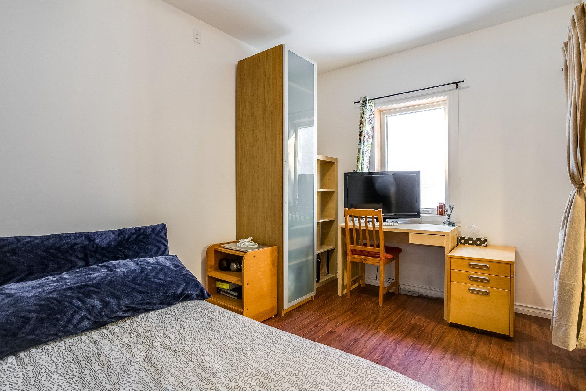 Chambre à coucher Duplex Montréal (Villeray/Saint-Michel/Parc-Extension)
