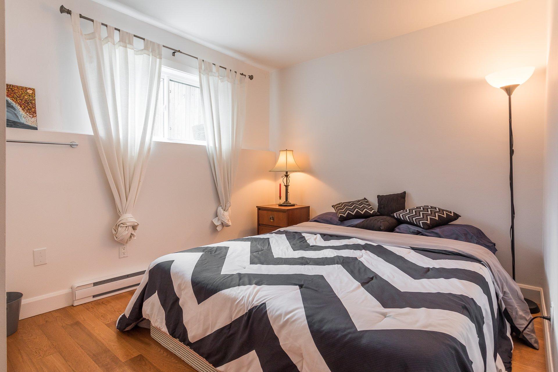 Bedroom Condo Montréal (Le Plateau-Mont-Royal)