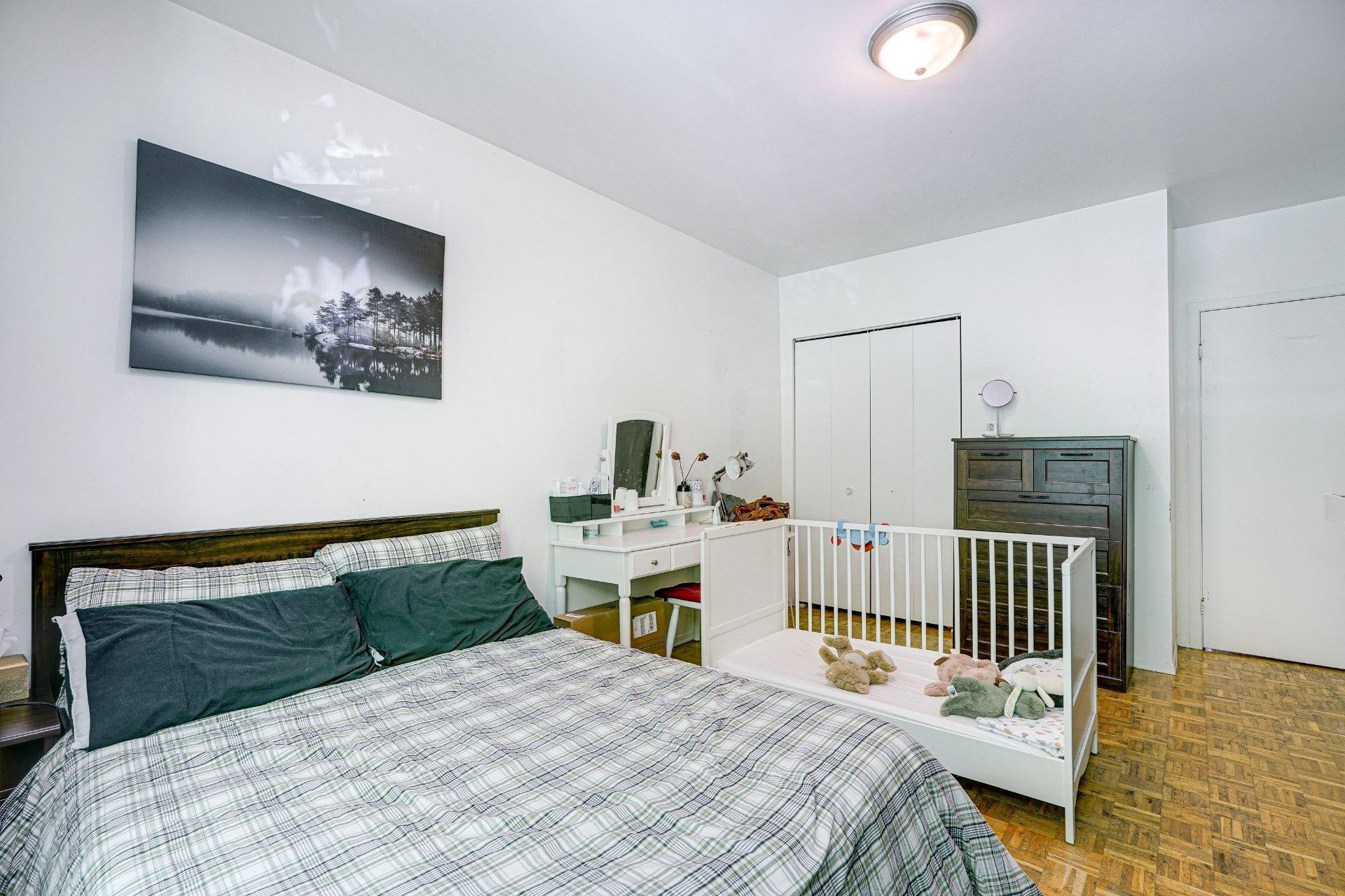 Chambre à coucher principale Triplex Montréal (Ville-Marie)