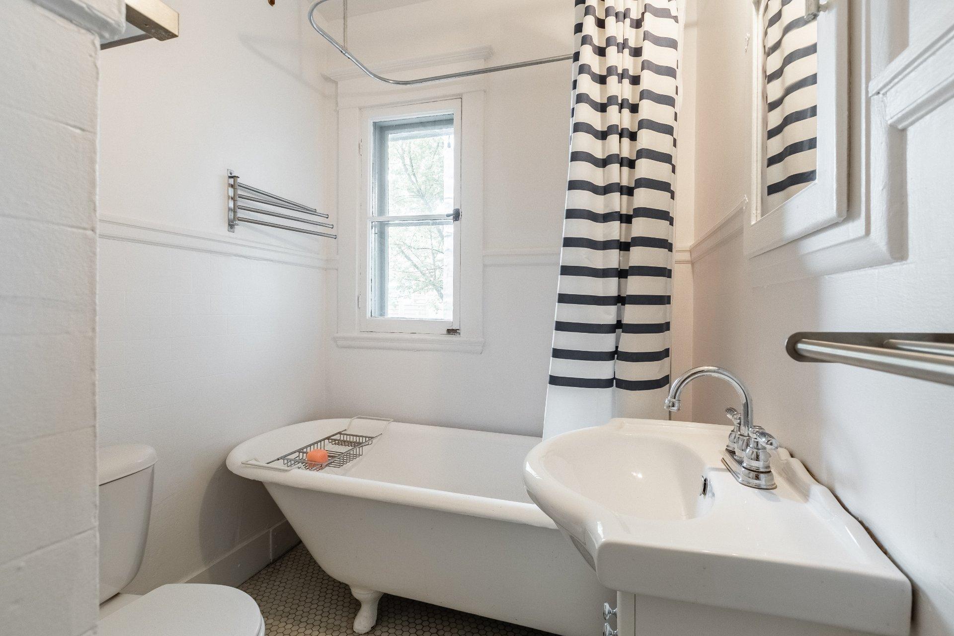 Salle de bains Condo Montréal (Le Plateau-Mont-Royal)