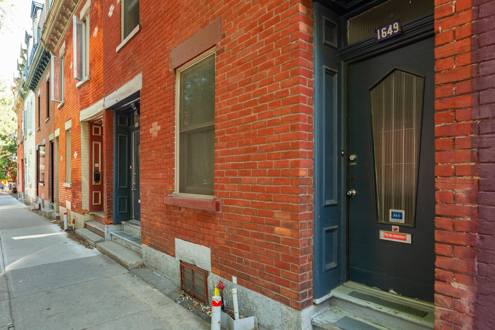 Façade Triplex Montréal (Ville-Marie)