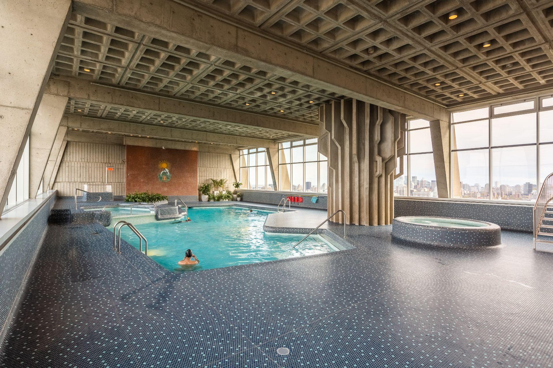 Pool Condo Montréal (Le Plateau-Mont-Royal)