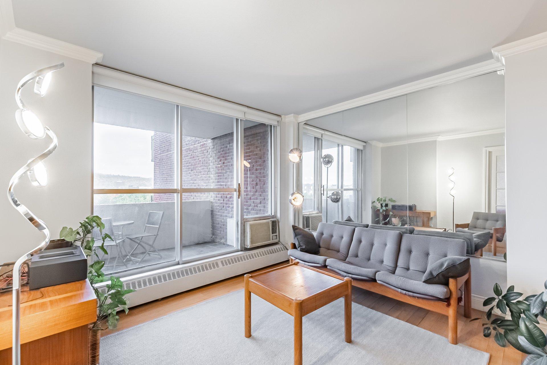 Living room Condo Montréal (Le Plateau-Mont-Royal)