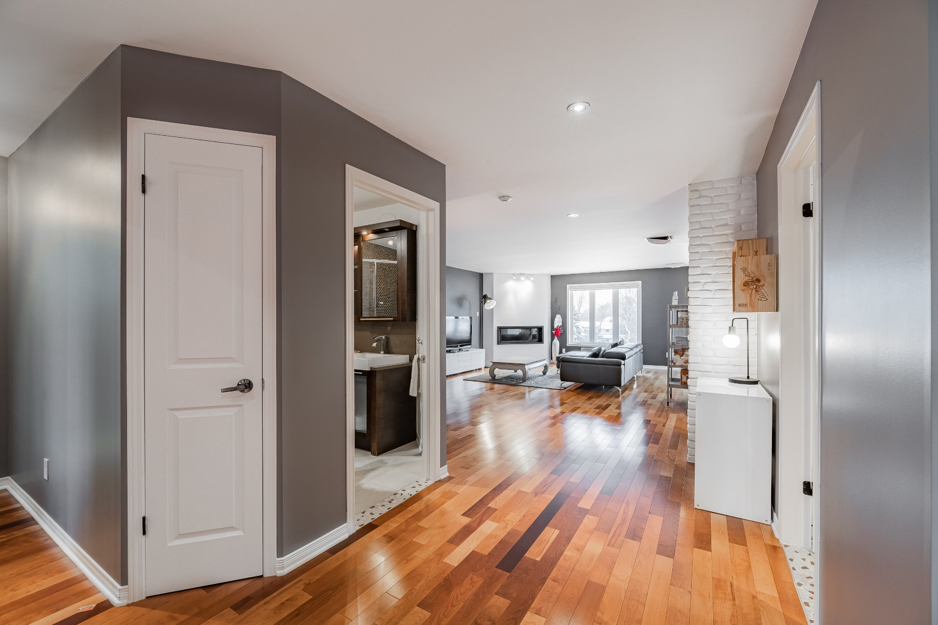 Overall View Condo Longueuil (Le Vieux-Longueuil)