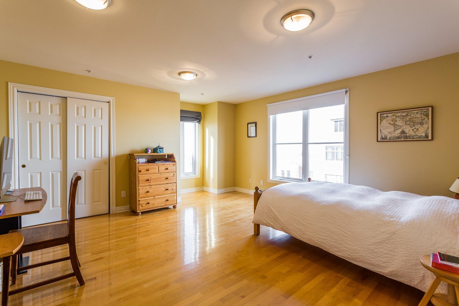 Bedroom Condo Montréal (Outremont)