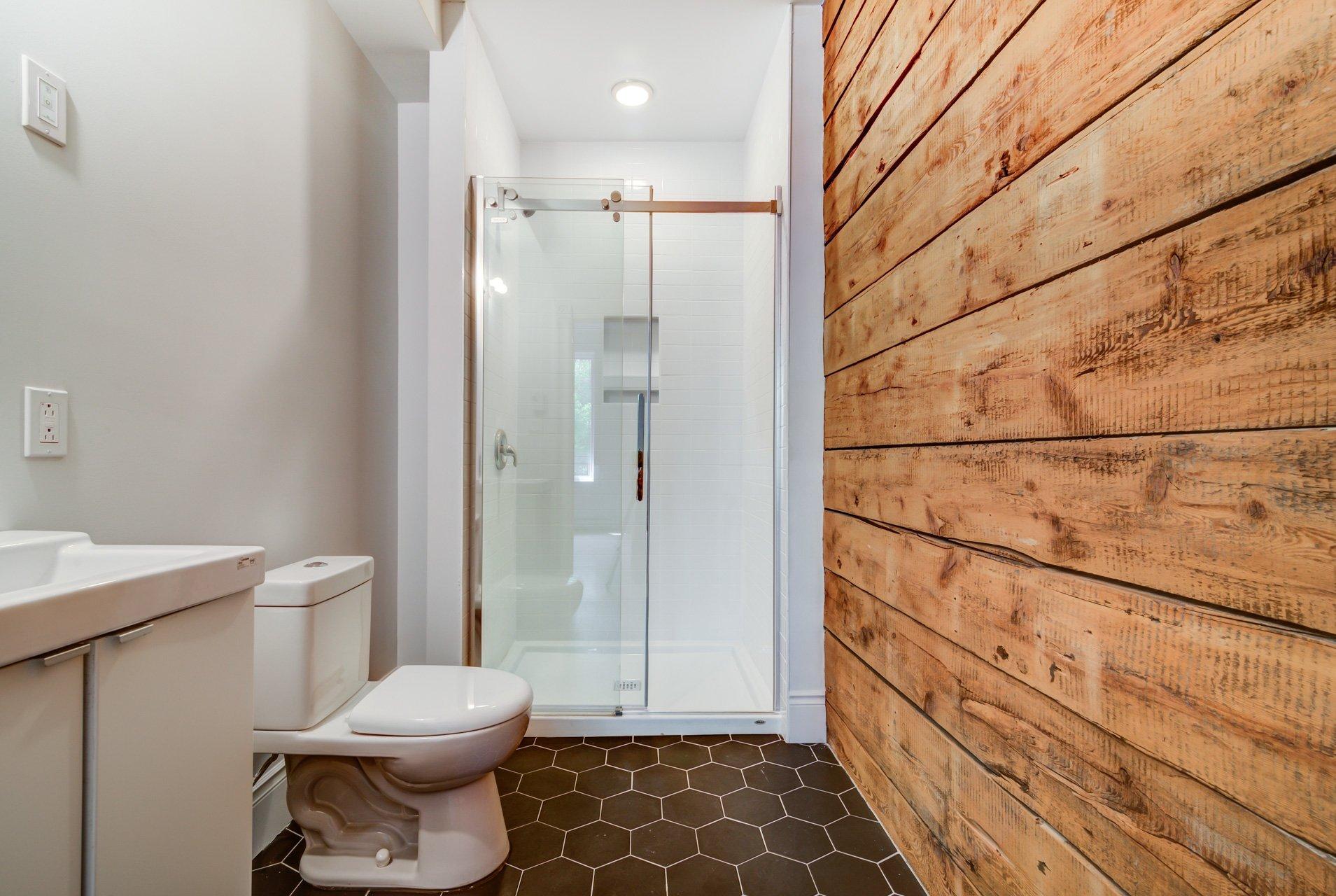 Salle de bains attenante à la CCP Condo Montréal (Mercier/Hochelaga-Maisonneuve)