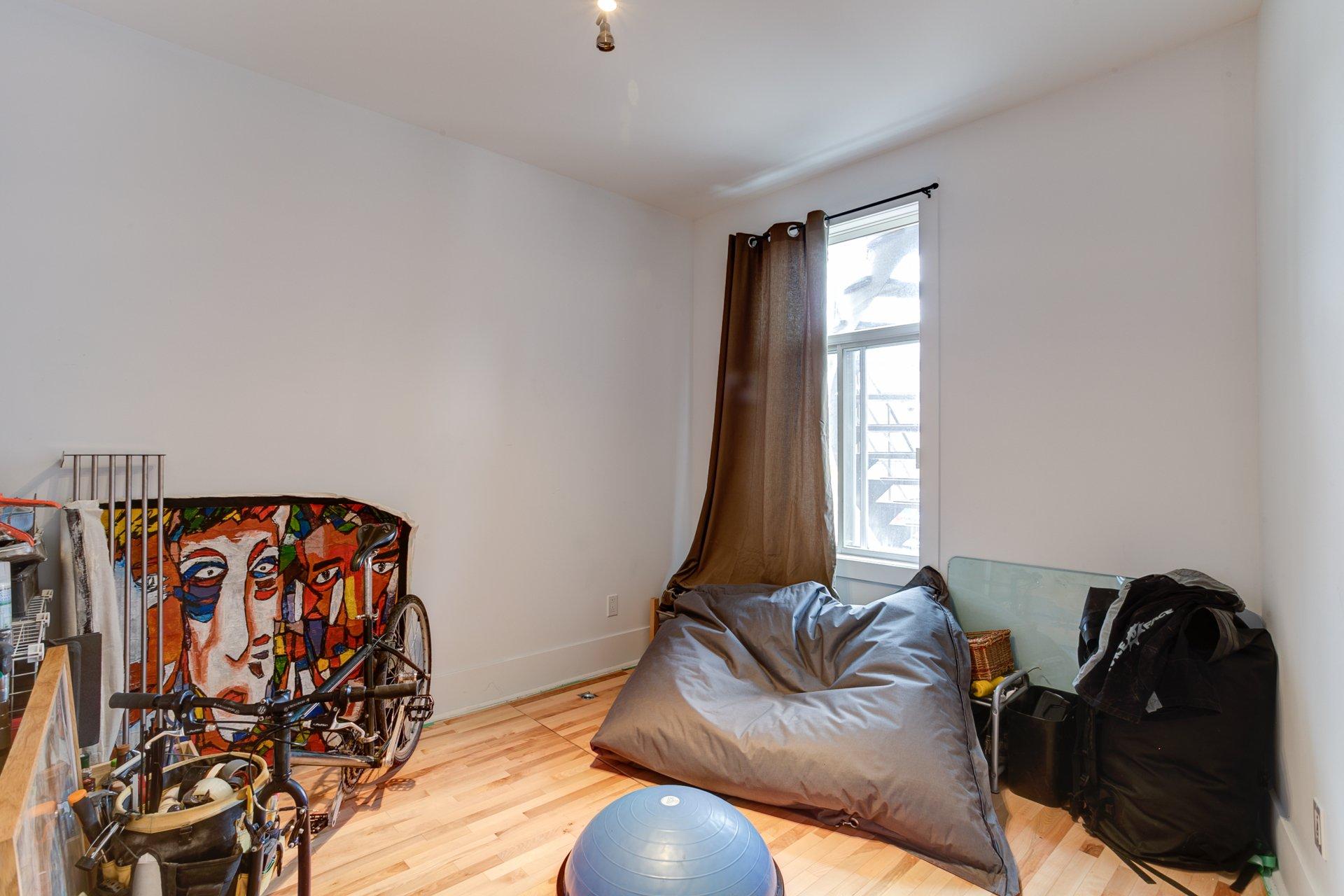 Bedroom Condo Montréal (Rosemont/La Petite-Patrie)