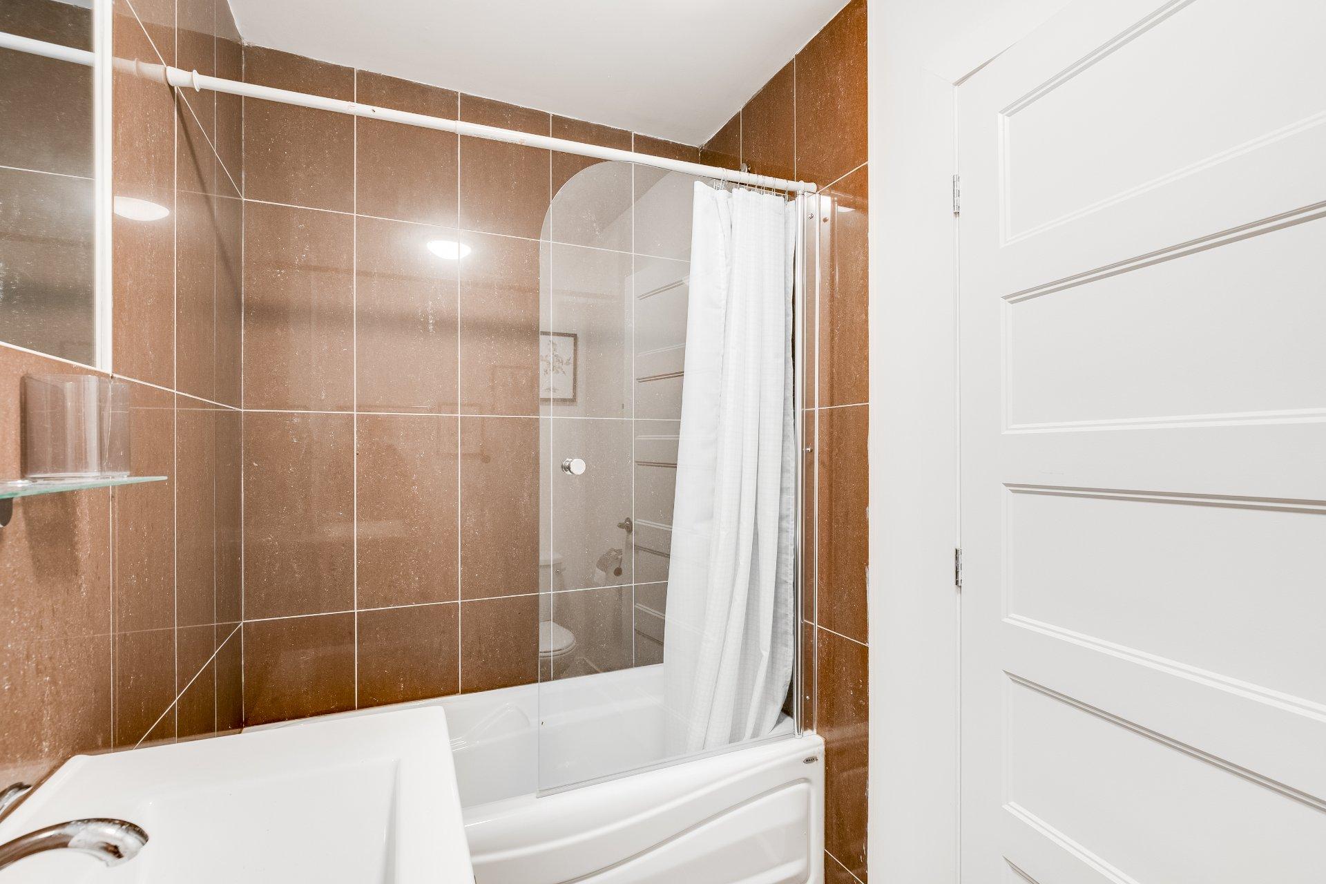 Salle de bains Propriété à revenus Montréal (Ville-Marie)