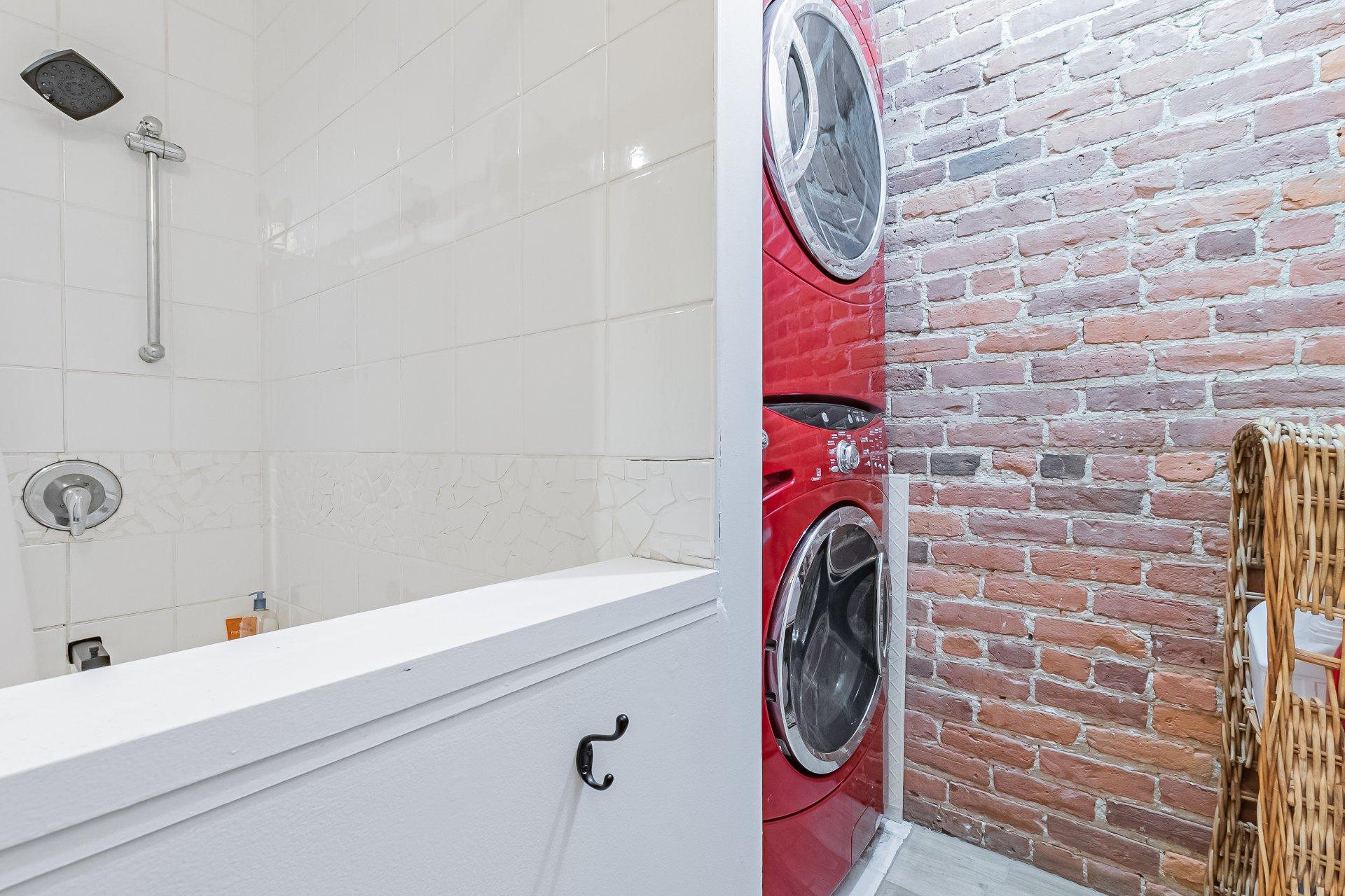 Salle de lavage Condo Montréal (Ville-Marie)