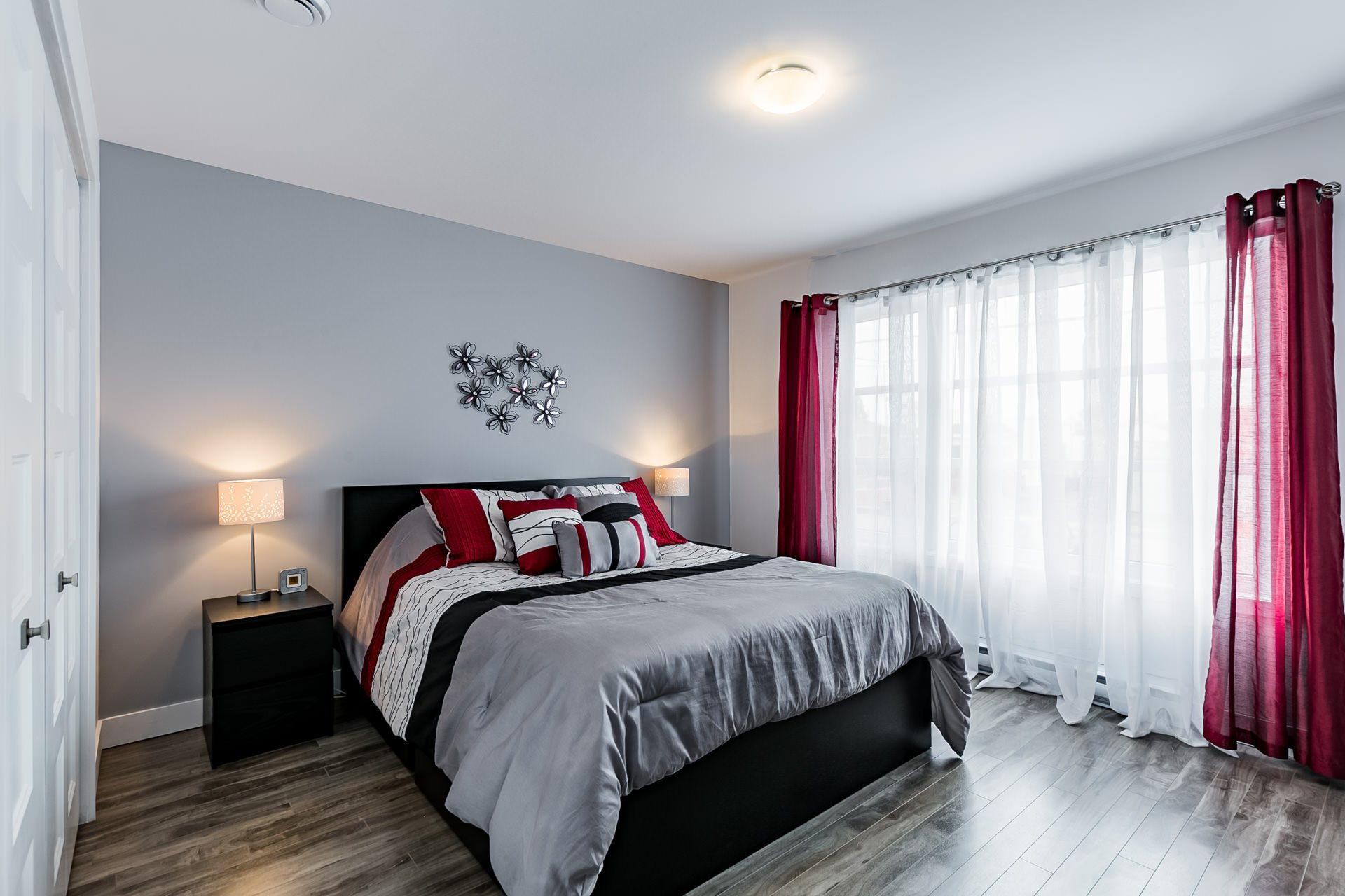 Chambre à coucher principale Triplex Longueuil (Saint-Hubert)