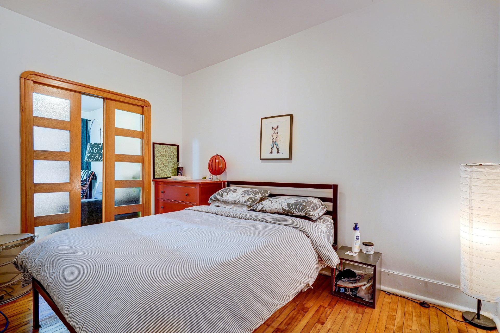Chambre à coucher principale Propriété à revenus Montréal (Rosemont/La Petite-Patrie)