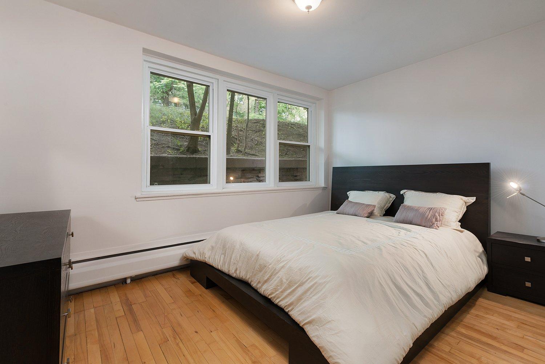 Chambre à coucher principale Condo Montréal (Côte-des-Neiges/Notre-Dame-de-Grâce)