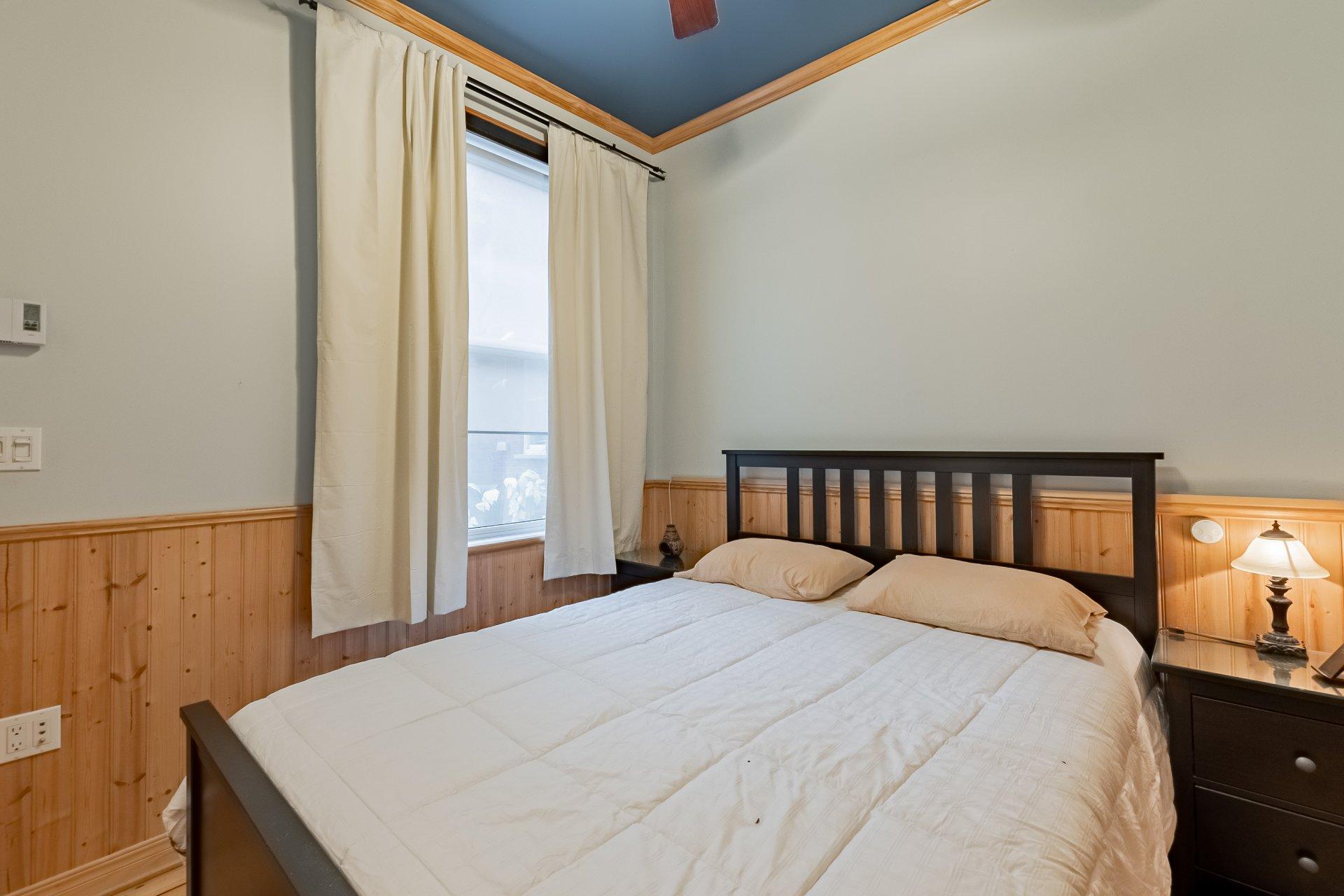 Chambre à coucher principale Triplex Montréal (Le Plateau-Mont-Royal)