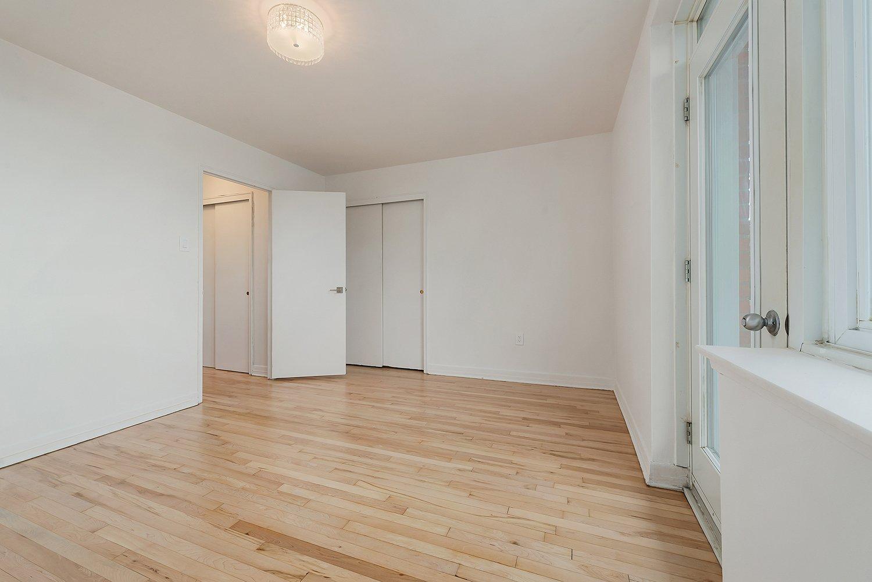 Master bedroom Condo Montréal (Côte-des-Neiges/Notre-Dame-de-Grâce)