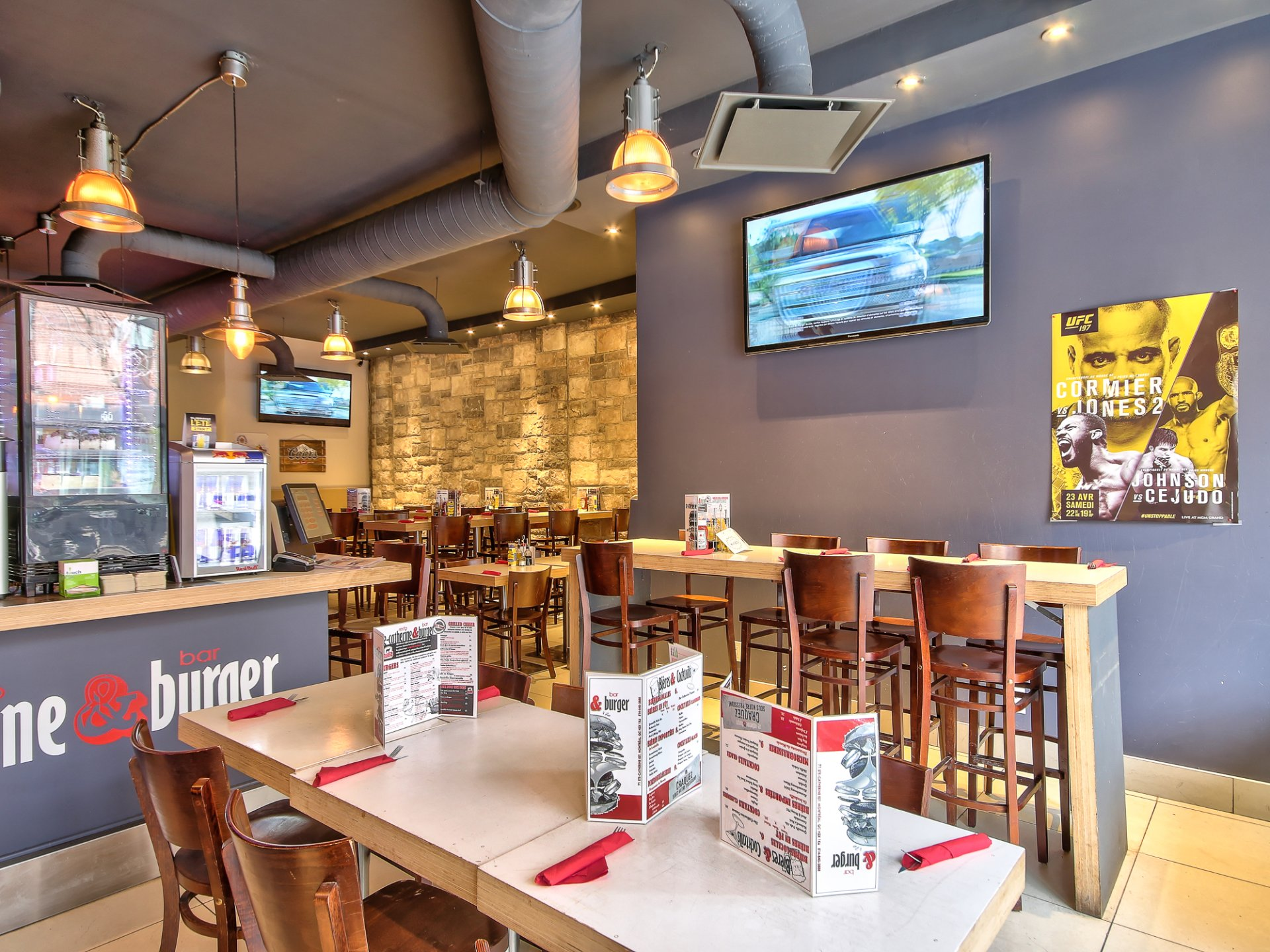 Propri t louer acheter propri t for Restaurant salle a manger montreal